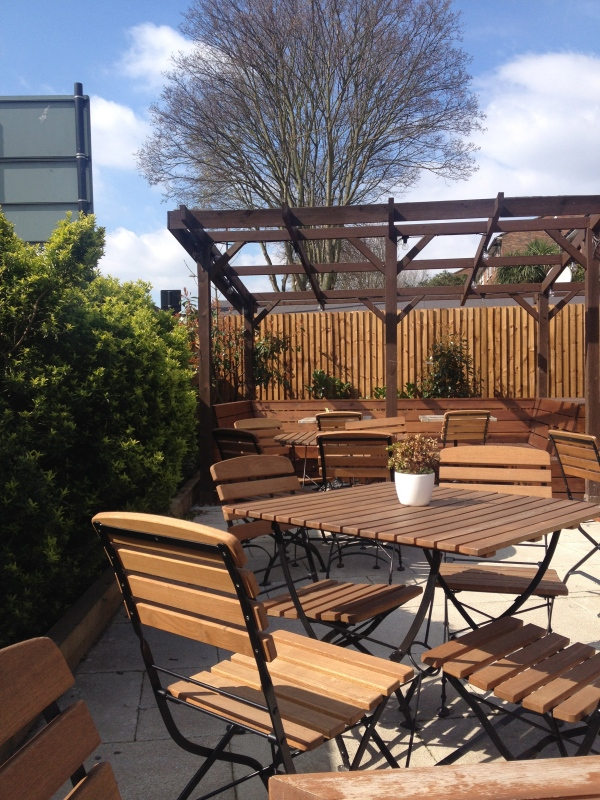 Tulse Hill Hotel pub garden